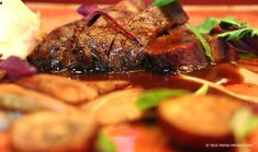 Wildebees, perfectly cooked – a tender, juicy and slightly pink seared fillet – is served with wild mushrooms cooked with rooibos tea and cognac, a wild mushroom puree and the rooibos featuring again in the aromatic gravy.