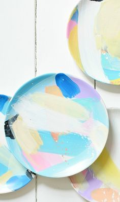 9 Easy Ways to Step Up Your Entertaining Game & Brushstroke Painted Plates | Cute u0026 Thrifty DiY Projects | Pinterest ...