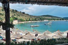 The terrace of Gjiri I Hartes Restaurant Great Restaurants, Beach Fun, Good Mood, Beaches, Terrace, Amazing, Balcony, Patio, Sands
