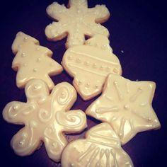 Best sugar cookie & icing recipe- keep their shape and taste good
