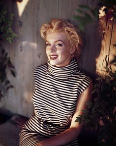 Marilyn Monroe  The pointed arch gave Monroe an air of surprised innocence, but the contrast with her blonde hair made the overall effect va-va-voom.    Photo:  Baron/Getty Images