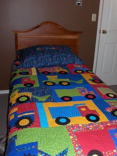 "quilt patterns for boys room | Quilting: Ethan's ""Big Boy"" Bed Quilt"