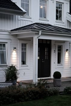 Tilda Bjärsmyr - Our home in sweden Exterior Design, Interior And Exterior, Double Front Entry Doors, Outdoor Wall Lighting, Outdoor Decor, Home Focus, England Houses, House Doors, Interior Garden