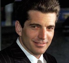 John F. Kennedy Jr. in 1999 (© Mike Segar/Getty Images)