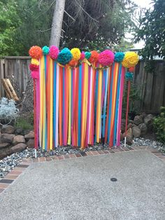 Fiesta Party Photo Backdrop Easy & cute back drop Mexican Birthday Parties, Mexican Fiesta Party, Fiesta Theme Party, Birthday Party Themes, Hippie Birthday Party, Birthday Ideas, Fiesta Gender Reveal Party, Taco Party, 25th Birthday