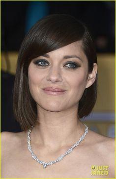 Marion Cotillard - SAG Awards 2013 Red Carpet  Hair and make-up