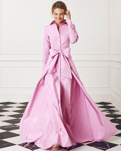 CH Carolina Herrera Evening - Look 04 Pink Fashion, Fashion Dresses, Fashion Looks, Womens Fashion, Estilo Glamour, Looks Style, I Dress, Beautiful Dresses, Evening Dresses