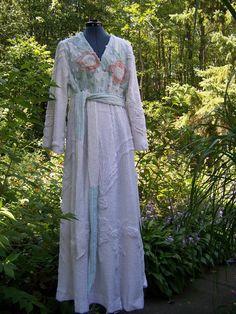 Vtg Handmade Robe MINTY ICE PRINCESS Chenille Woman s Floral Bedspread  Bathrobe  Handmade  Robes Floral 44ee06993