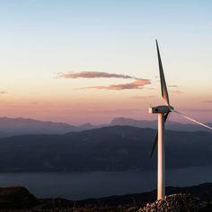 """""""Eurodeputati al #voto domani sulle nuove direttive sulle energie rinnovabili e l'efficienza energetica.Sulla prima direttiva gli europarlamentari della commissione industria si preparano ad aumentare al 35% l'obiettivo di consumo di #energia da fonti #rinnovabili al 2030 invece che il 27% proposto dalla Commissione"""" da @agenzia_ansa  #sostenibilità#energiaeolica #green #energy #sustainability #renewableenergy #energia #cleanenergy #green #paleeoliche #wind #vento #environment #solarenergy…"""