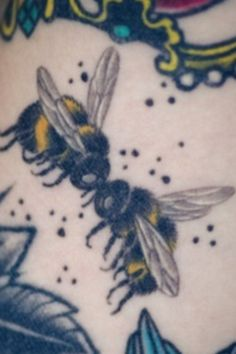 My favorite bee tattoo :)  if I ever get a tattoo, I believe it will be this.