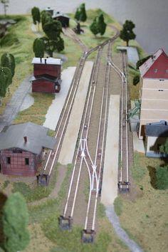 Modellbahn Spur N – Wolf Schertler - Model Trains Model Trains Ho Scale, N Scale Trains, Scale Models, Ho Train Layouts, Escala Ho, Model Railway Track Plans, Hobby Trains, Train Pictures, Train Tracks