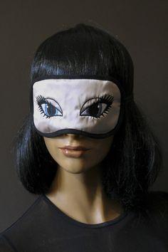 Masque de nuit masque de repos satin rose poudré brodé yeux de biche bleu gris molleton coton double