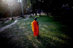 011-monk-cambodia-ga.jpg (470×313)