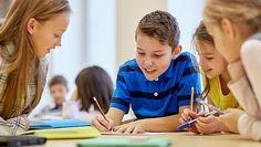 La felicidad ya es una asignatura Colegios británicos imparten a sus alumnos clases para sentirse bien, porque no quieren ser «fábricas de examinar»