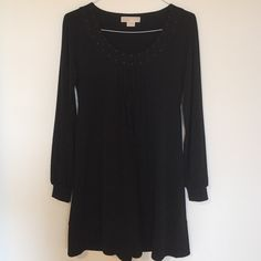 Michael Kors S/P long sleeve black dress! Worn twice and almost brand new! Cute, comfortable and perfect for a medium size person. Wearable for professional or casual purposes! You will really love this dress!! Michael Kors Dresses Long Sleeve