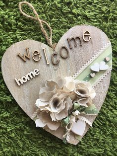 Due Punti Handmade, hobbystica a Treviso Home Crafts, Diy And Crafts, Shabby Chic Hearts, Heart Crafts, Fire Heart, Wooden Hearts, Heart Art, Artisanal, Craft Gifts