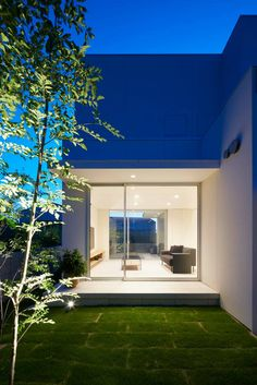House in Horie in Ehime, Japan by Hayato Komatsu Architects