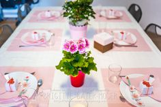 Tischdekoration Valentinstag   Mediendesign Moser Table Decorations, Home Decor, Holidays, Valentines, Invitations, Decorations, Homemade Home Decor, Decoration Home, Dinner Table Decorations