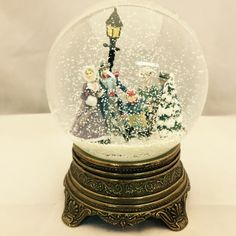 Skaters Reoaired Snow Globe