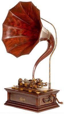 1800's wood horn Edison phonograph, beautiful