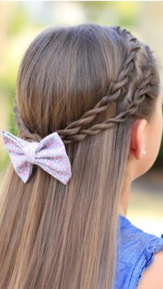 Cute twisted with a bow – Hairstyle of real girls Tween Hairstyles For Girls, Braided Hairstyles For School, Baby Girl Hairstyles, Princess Hairstyles, Cute Hairstyles, Toddler Hairstyles, Medium Hair Styles, Short Hair Styles, Girl Hair Dos
