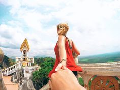Tips about the Tiger Cave Temple in Krabi, Thailand. How to get to the Tiger Cave Temple? Is it safe with all the monkeys in the temple?