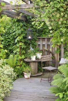 Beautiful Cottage Style Garden Ideas for a Charming Outdoor Space A cottage garden can incorporate quirky or funny ideas, like painted signs, that would not go with a more formal garden concept. The cottage garden projects Small Backyard Gardens, Backyard Garden Design, Backyard Landscaping, Outdoor Gardens, Landscaping Ideas, Small Gardens, Corner Landscaping, Balcony Garden, Backyard Patio