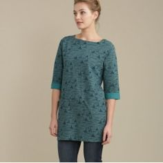A flattering tunic top in a unique Seasalt print. In soft, cosy cotton, with an elegant boat neck, three quarter sleeves and handy pockets.  In stock and available for fast dispatch from our Shops in Scarborough & Whitby.