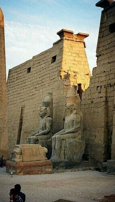 Karnac Temple in Egypt. One of the most incredible places I've ever been. Glad I got the chance to go there when it was a relatively safe place to travel. Ancient Egyptian Art, Ancient Ruins, Ancient History, Holidays In Egypt, Egypt Art, Visit Egypt, Ancient Architecture, Ancient Civilizations, Archaeology