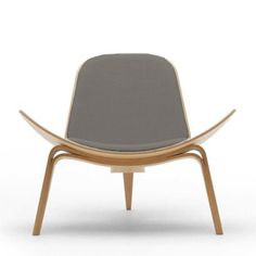 The sculptural Shell Chair in oiled oak. Designed in 1963 by Hans J. Wegner for Carl Hansen. Bathroom Furniture, Modern Furniture, Furniture Design, Curtains Or Shades, Wooden Magazine Rack, Danish Chair, Wood Vanity, Mid Century Furniture, Chair Design