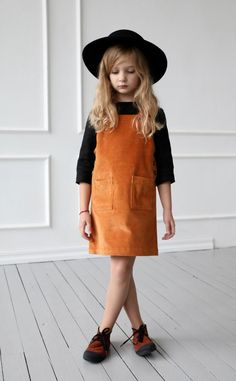 Cute Outfits For Kids, Baby Outfits, Little Girl Fashion, Kids Fashion, Corduroy Pinafore Dress, Kleidung Design, Apron Dress, Mini Vestidos, Casual Look