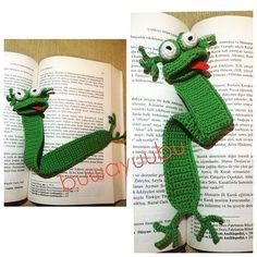 Evet işte böyle daha rahatım diyor küçük kurbağaa  İlk amigurimi denemem  Küçük ama sevimli kurbağa kitap ayracım  #amigurimi #amigurimicrochet #amigurimilove #amigurimifrog #frog #frog #froglove #handmade #handcrochet #crochet #bookmark #bookmarks #dıy #elişi #kurbağa #tığişi #kitap #ayraç #kitapayracı #red #green