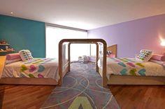 10 habitaciones para niños muy imaginativas | Blog de BabyCenter. Si tus hijos deben compartir un gran espacio, esto es una supersolución. @Cindy Erickson