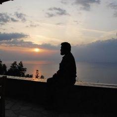 Πώς πρέπει να λιβανίζουμε σωστά στο σπίτι μας - ΕΚΚΛΗΣΙΑ ONLINE Greek History, Sunset, Celestial, Outdoor, Information Technology, Outdoors, Sunsets, Outdoor Games, The Great Outdoors