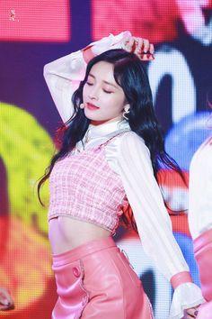 N Girls, Kpop Girls, She Was Beautiful, Ioi, Pledis Entertainment, Girl Group, Snow White, Korea, Crop Tops