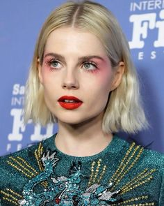Love Makeup or Not, We Know You'll Obsess Over This Actress's Beauty Looks is part of eye-makeup - Bohemian Rhapsody star Lucy Boynton has been leading the way when it comes to the best beauty of 2019 Here are her top hair and makeup looks so far Love Makeup, Makeup Inspo, Makeup Inspiration, Hair Makeup, Makeup Tips, Red Makeup, Makeup Ideas, Twiggy Makeup, Makeup Products