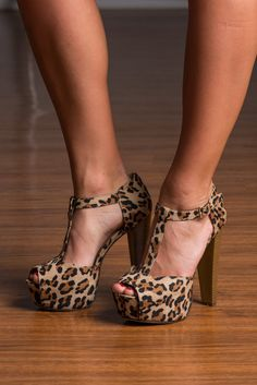 Hellllooooooo, sexy! The wild leopard print heels are a fantastic way to spice up any outfit and with a heel like that we know your legs are going to look AHHH-mazing, so try this one with a LBD for a sultry look. ;)