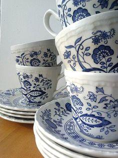 Service à thé Wedgwood Enoch bleu patrimoine par ANTHEMandOBJECT, $55.00