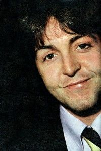 Paulie, being all cute. (: Beatles Love, John Beatles, Beatles Quotes, Beatles Band, The Fab Four, John Lennon, Sir Paul, John Paul, Paul Mccartney Beatles
