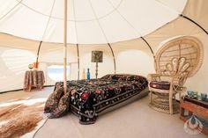 Découvrez la tente Lotus Belle qui peut rentrer dans un sac de voyage La tente Lotusfait partiedes articles les plus populaires dans les festivals.Cette incroyable tenteest très appréciée pour son design unique. Lancée par Harriet Seddon il y a 3 ans, la tente est équipée comme les anciennes yourtes mongoles avec le confort des équipements… En lire plus »