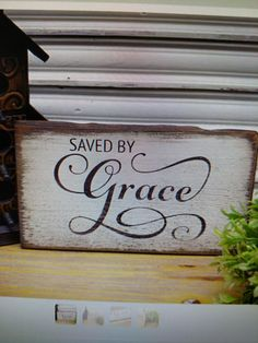 love the font on Grace Pallet Painting, Pallet Art, Pallet Signs, Painting On Wood, Pallet Crafts, Wood Crafts, Rustic Signs, Wooden Signs, Grace Sign