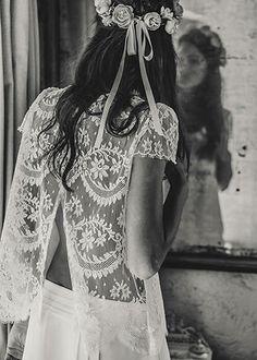 (via Laure de Sagazan | Robes de mariée | Collection Deux mille quinze)