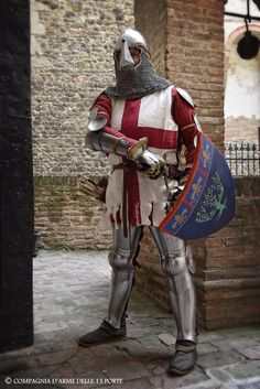 Medieval Weapons, Medieval Knight, Medieval Fantasy, High Middle Ages, Knight Armor, Character Poses, Historical Images, Historical Costume, 14th Century