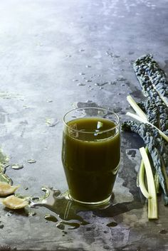 Waldorf+Salad+Green+Juice - Looking+for+delicious+juice+fasting+recipes?+This+kale,+celery,+apple+juice++is+cleansing+and+delicious+for+a+fall+detox.