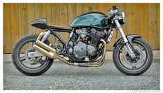Cafe Racer Special: Suzuki GSX 1200 Spirit Cafe Racer by Inazuma Suzuki Gsx 750, Suzuki Cafe Racer, Inazuma Cafe Racer, Vintage Bikes, Vintage Motorcycles, Custom Motorcycles, Custom Bikes, Street Bikes, Road Bikes