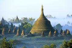Stupas von Mrauk-U, Myanmar (Foto von: Tibor Bognar/Corbis)