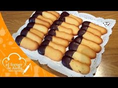 Después de probar estas galletas Lenguas de Gato, ya no volveremos a comprar a la panadería. ¡La familia entera le gusta mucho! | Receitas Soberanas Filipino Recipes, Filipino Food, Hot Dog Buns, Cookie Recipes, Waffles, Food And Drink, Sweets, Cookies, Chocolate