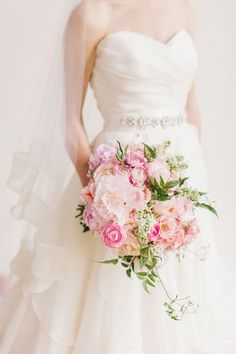 Blush garden bouquet by Hey Gorgeous Events | Bradley James