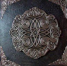 Quadro Mandala com nós Célticos - Arte feita em alumínio, 40X40cm.