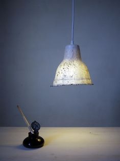 ©MYRIAM BALAŸ DEVIDAL LIGHT & PAPER photowork pour loupiote encrée mouchetée noire 100% papier myriambalay.fr
